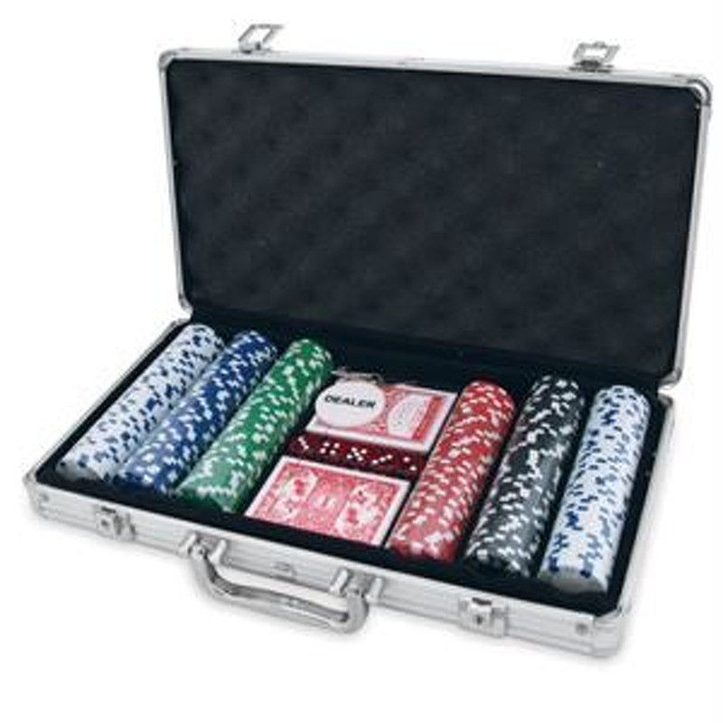 Poker Chips  500 Chips in Metal Case With Values