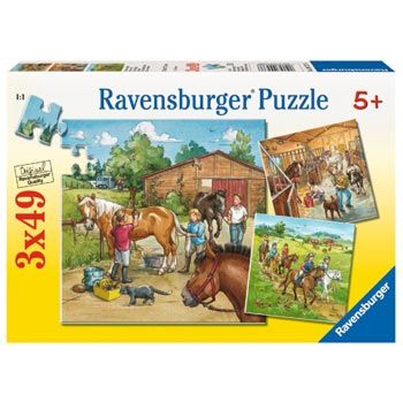 Ravensburger   A Day with the Horses